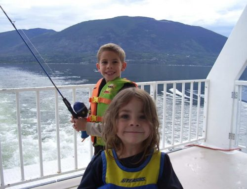 Lake Shuswap houseboating