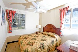 Bedroom inside a Bellows beach cabin