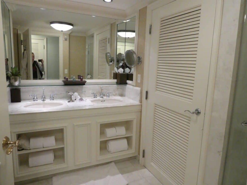 Ritz Carlton Orlando bathroom