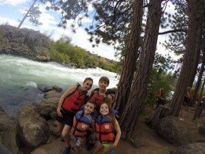 Whitewater rafting Bend, Oregon. with Sun Country Tours