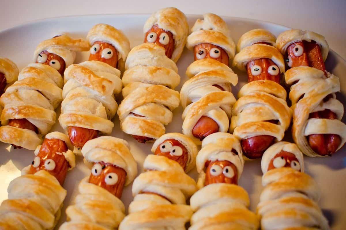 Halloween mummies - mummy dogs