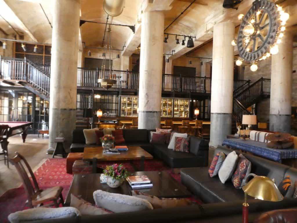 Hotel Emma bar