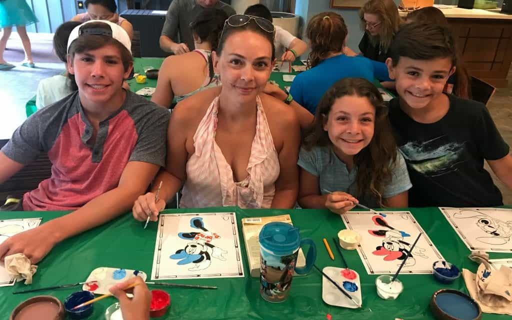 Take a free family animation class at Aulani and learn how to draw a classic Disney character like Goofy or Donald Duck.