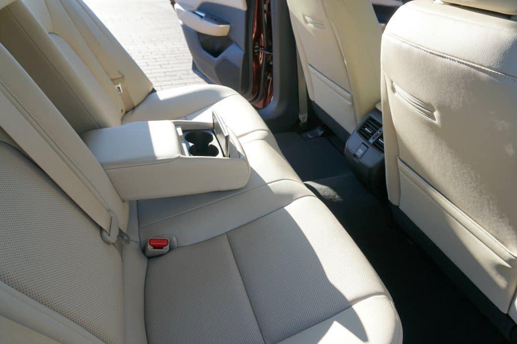 2018 Honda Clarity Plug-in Hybrid backseat