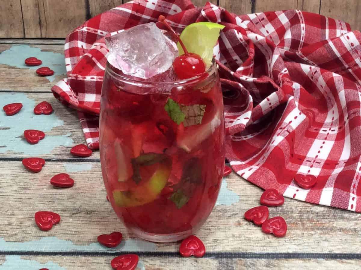 7 & 7 cherry cocktail