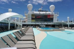 Norwegian Bliss pool deck