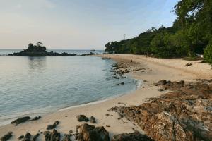 Qimi Chalet on Kapas Island