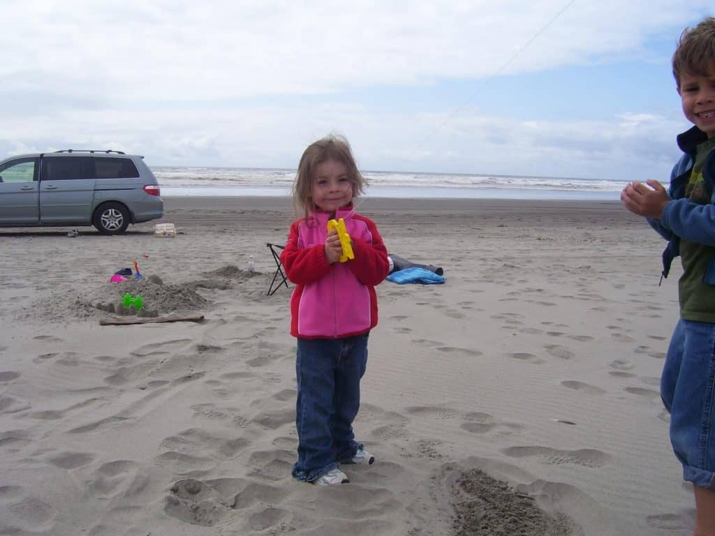 Eden flying a kite in Gearhart Beach