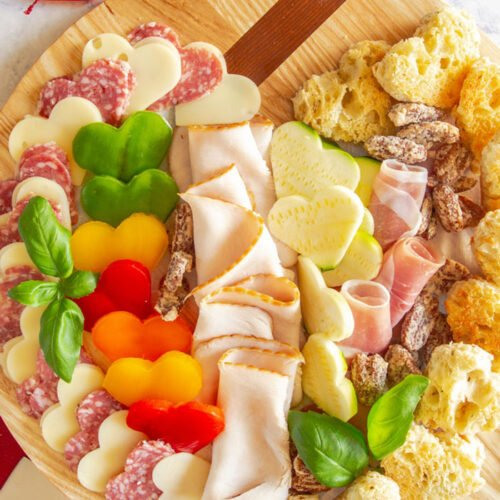 Valentines-Day-Charcuterie-Board