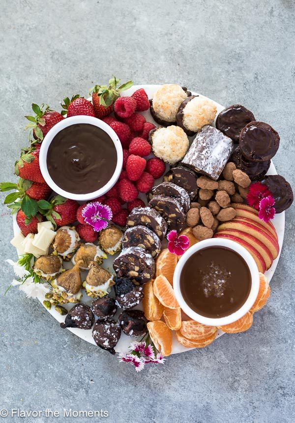 chocolate-dessert-charcuterie-board