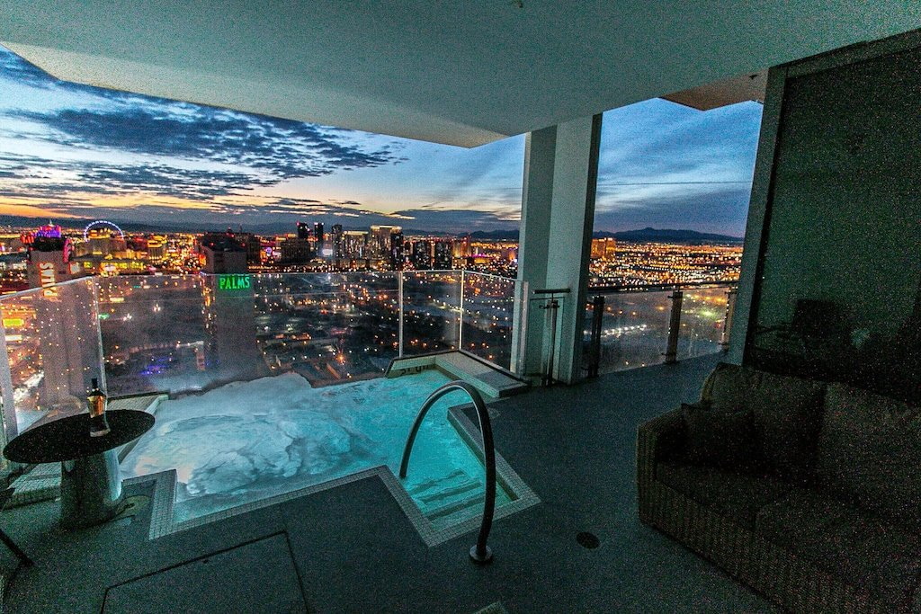 Penthouse at Palms Place